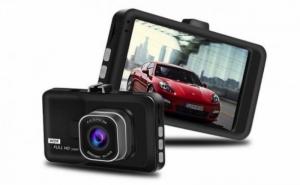 Camera video auto dubla - captureaza imagini din fata si din spate