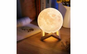 Moon Lamp 3D - lampa in forma de luna