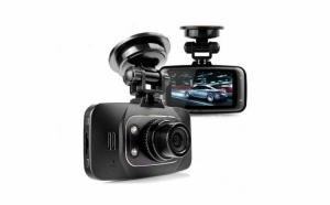 "Camera video auto GS8000L  , model ultracomapact, display LTPS de 2.7"" (6.9 cm), cea mai buna calitate video HD la 1920/1080p, la doar 149 RON in loc de 300 RON"