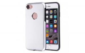 Husa Apple iPhone 6/6S Motomo V2