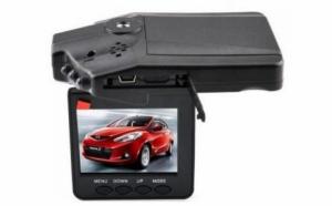 Acorda atentie traficului din jur cu noua camera video HD DVR pentru trafic, la 89 RON in loc de 177 RON