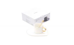 Cana de cafea cu tava in forma de