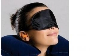 Set masca de dormit, set 3 piese: dopuri pentru urechi, perna gonflabila, masca pentru dormit, la doar 17 RON, in loc de 45 RON