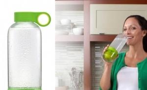 Sticla cu storcator si sita, usor de utilizat si curatat, la numai 35 RON in loc de 89 RON!
