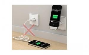 2 IN 1 Incarcator & Stand pentru iPhone si iPod MY-A008EU, la 20 RON in loc de 60 RON