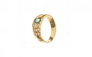 Inel din aur galben 18K cu smarald
