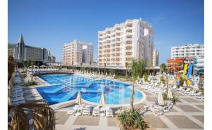 Hotel Ramada Resort Lara 4*