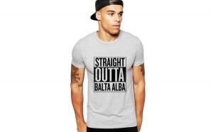 Tricou barbati gri cu text negru - Straight Outta Balta Alba