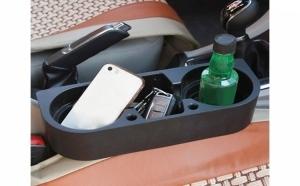 Organizator auto cu suport pentru 2 pahare
