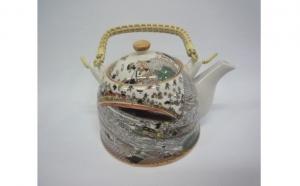 Ceainic din ceramica, model oriental, 350 ml, la 30 RON in loc de 60 RON