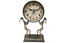 Ceas retro din metal inoxidabil, la 169 RON in loc de 338 RON