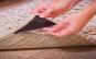 Triunghi antiderapant pentru covoare ce impiedica alunecarea covorului