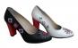 Pantofi din piele naturala, cu broderie traditionala, realizata manual, la 299 RON in loc de 680 RON