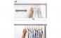 Umerase haine acoperite cu catifea si