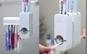 Bucura-te de un periaj al dintilor simplu si comod, pastrand baia curata si ordonata. Dozator pasta de dinti la doar 16 RON in loc de 75 RON